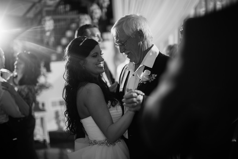 1185_Josh+Lindsey_WeddingBW.jpg