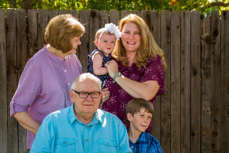 03-27 Hanson Family-141.jpg