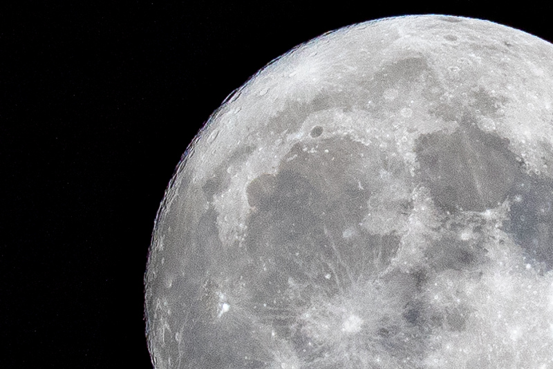 moon 181023204044 5965.jpg