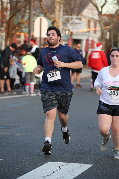Toms River Police Jingle Bell Race 2015 - 01209.JPG