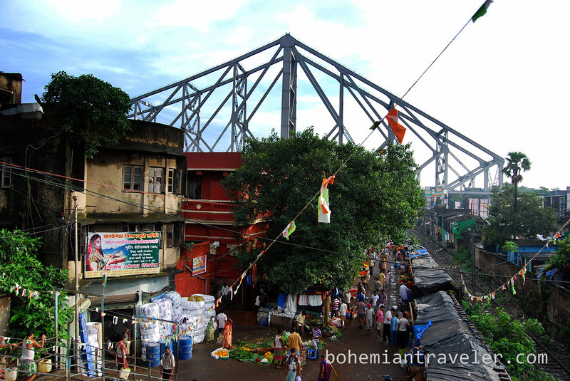 Flower Market and Howrah Bridge.jpg