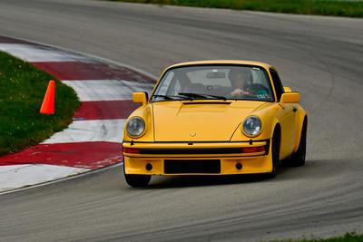 2019 SCCA TNiA Sept Pitt Race Adv Yellow Porsche