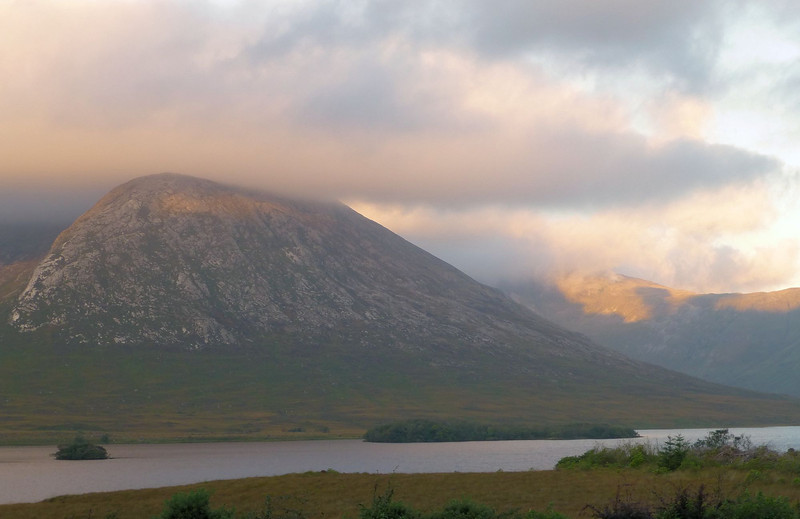 Lough Inagh lodge_Sunrise2.jpg