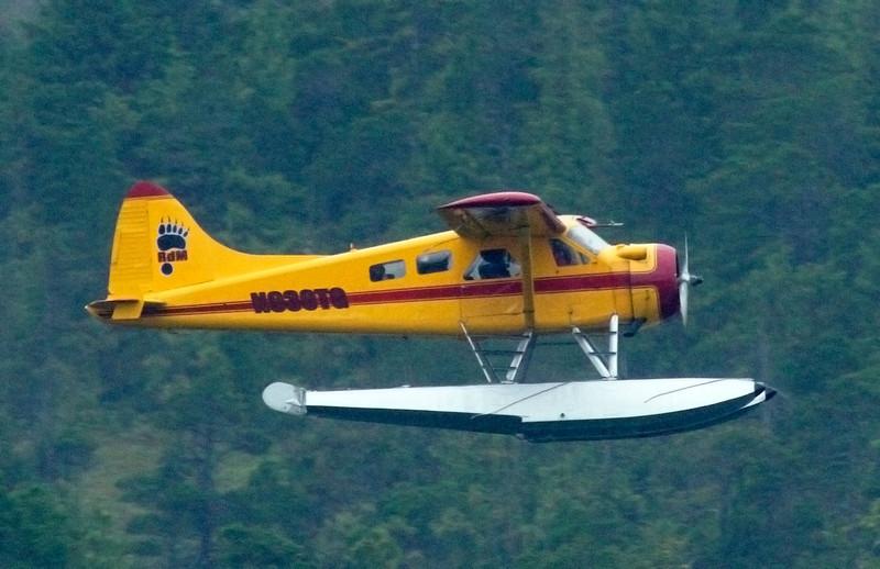 yellowfloatplane3.JPG