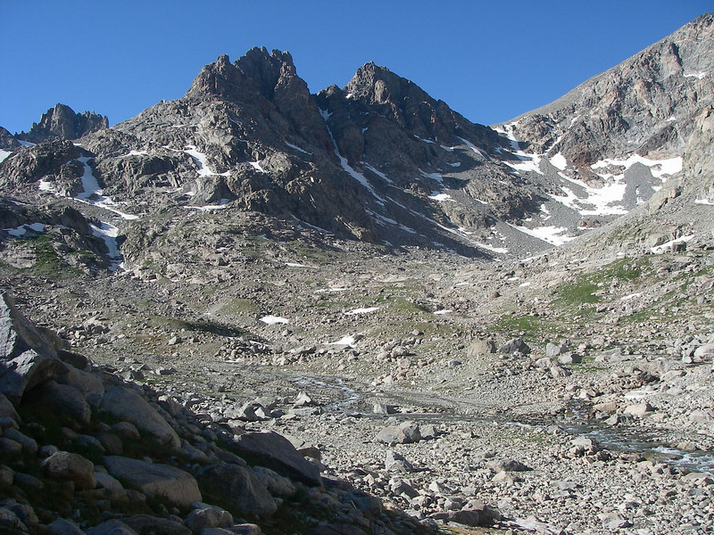 Bonney Pass (12,831ft - 3.911m) is even closer.