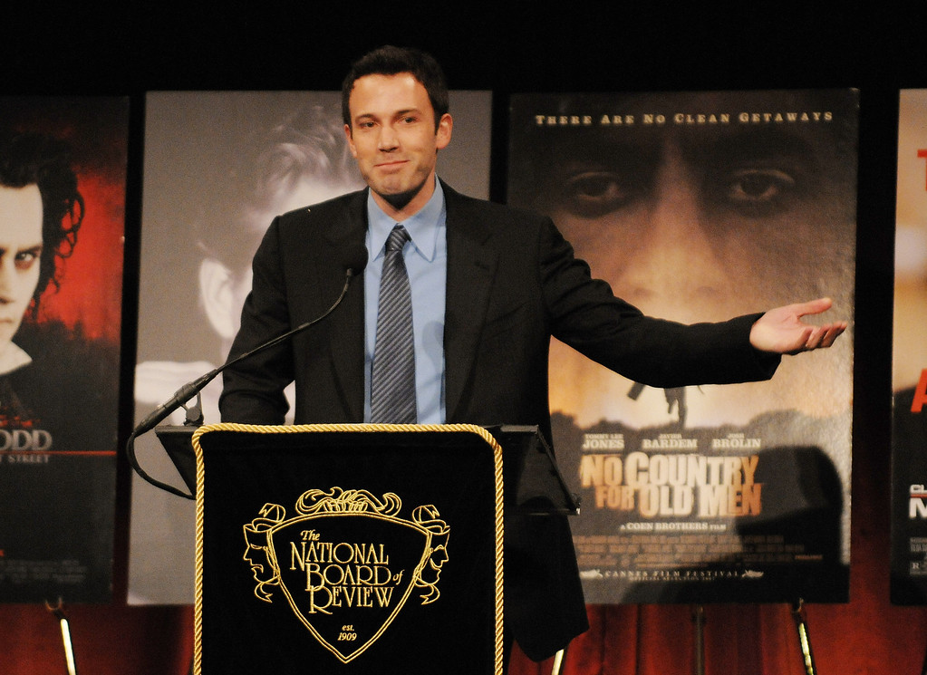 ". Actor-director Ben Affleck accepts the award for Best Directorial Debut for ""The Assassination of Jesse James by the Coward Robert Ford\"" at the 2007 National Board of Review of Motion Pictures Awards Gala presented by Bulgari at Cipriani\'s 42nd Street, Tuesday, Jan. 15, 2008 in New York. (AP Photo/Evan Agostini)"
