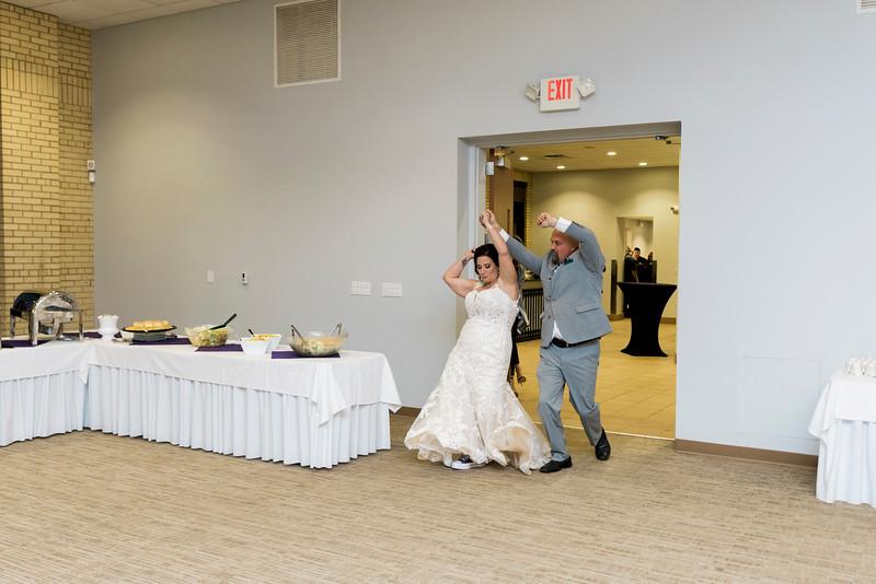 chateau-on-the-river-trenton-michigan-wedding-0332.jpg
