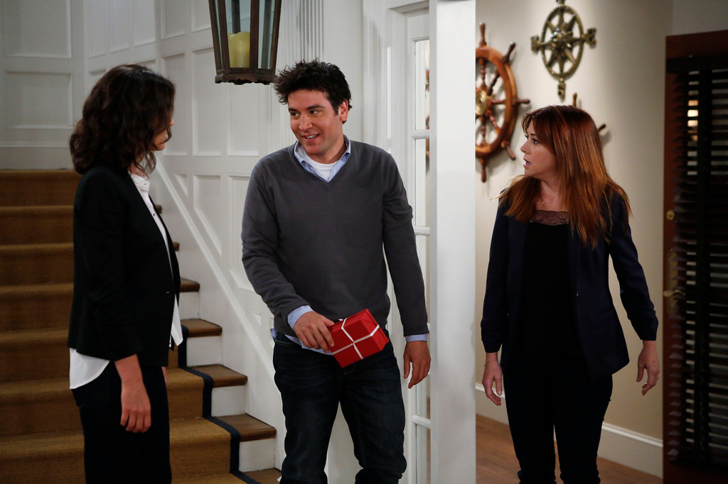 ". ""The Locket\"" --  Sherri Shepherd guest stars on  the ninth season premiere episode of HOW I MET YOUR MOTHER titled \""The Locket,\"" to be broadcast on Monday, Sept. 23 (8:00-8:30 PM, ET/PT). Pictured: Cobie Smulders, Josh Radnor, Alyson Hannigan  Photo: Cliff Lipson/CBS  ���©2013 CBS Broadcasting Inc. All Rights Reserved."