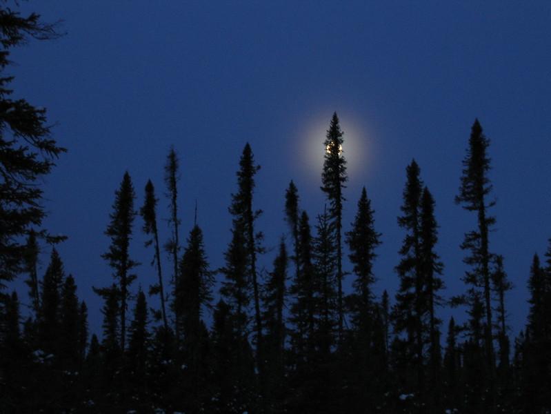 IMG_2724_sunrise_fort_hope_winter_road_resize.JPG