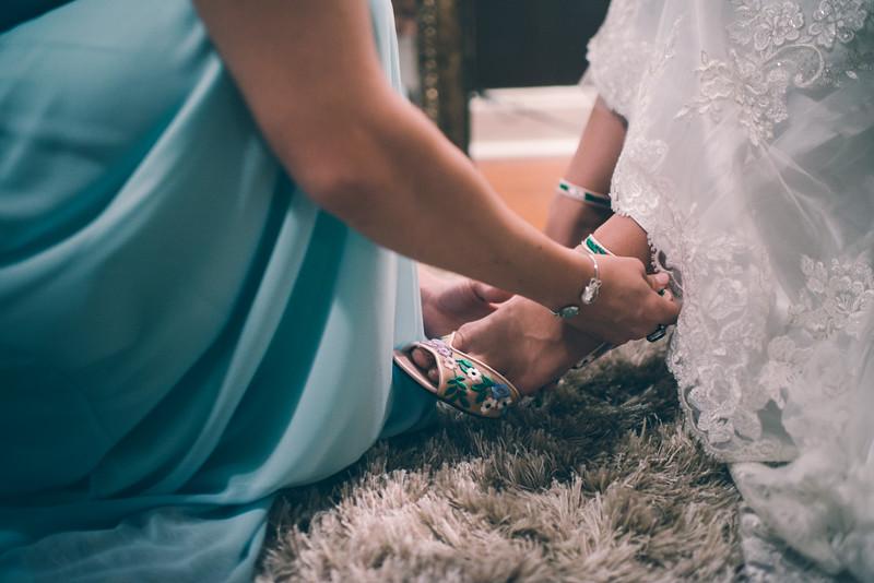Philadelphia Wedding Photographer - Bernreuther-210.jpg