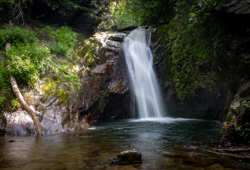 Courthouse Falls & Creek (1.0 mile; d=1.10)