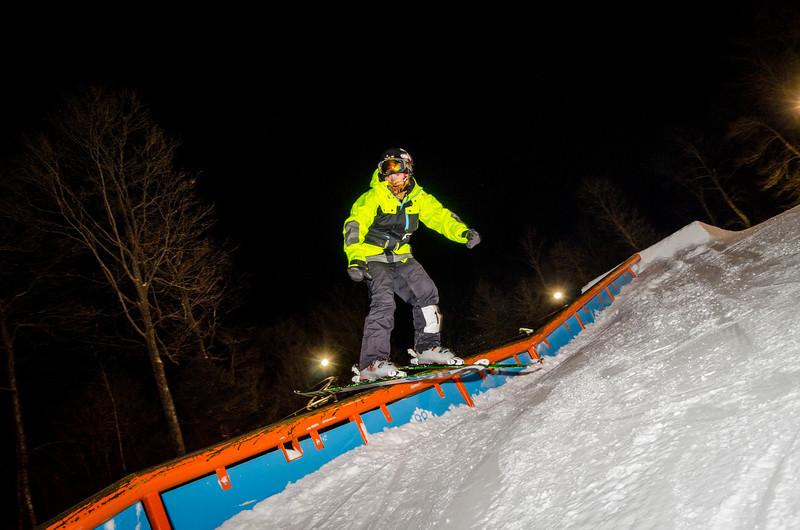 Nighttime-Rail-Jam_Snow-Trails-174.jpg