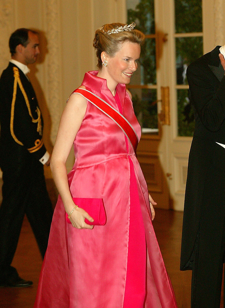 Description of . A six-month pregnant Princess Mathilde from Belgium walks to the gala dinner May 20, 2003 in Brussels, Belgium. King Harald and Queen Sonja from Norway are in Belgium for a three-day state visit during which time they will visit the Brussels, Flemish and Wallon regions.  (Photo by Mark Renders/Getty Image)