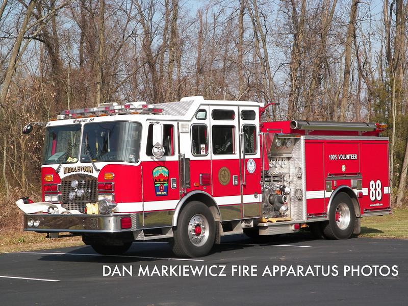 MIDDLETOWN FIRE DEPT. ENGINE 88 2001 KME PUMPER