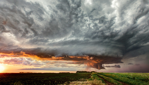 Jun 17th 2012 - Supercells in SD