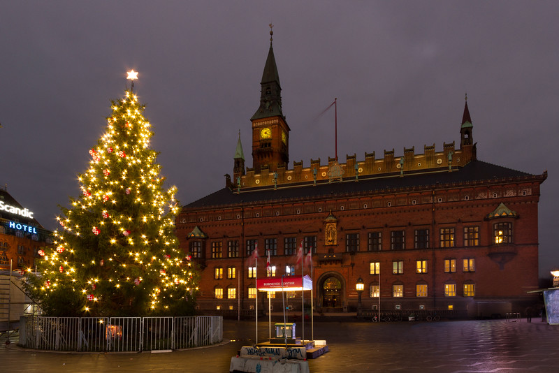 Juletræ på Rådhuspladsen-1.jpg