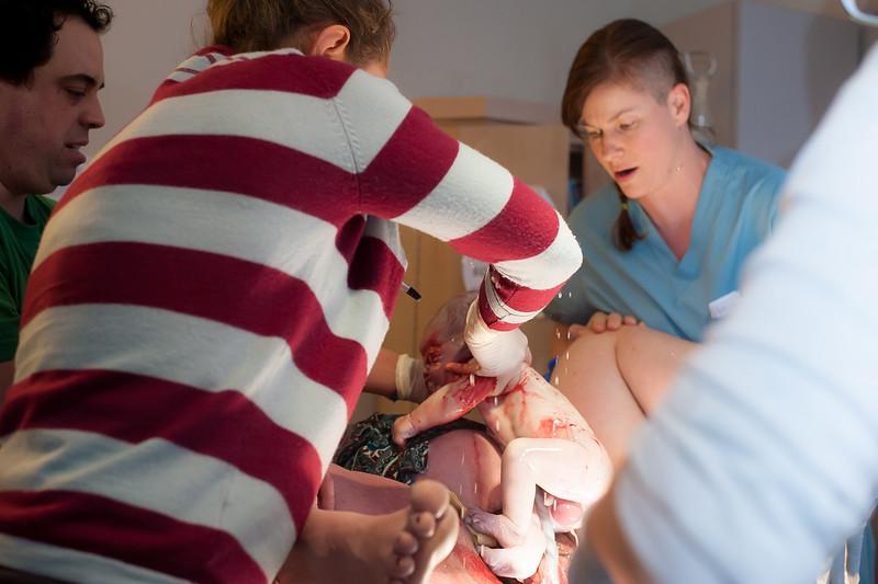 Alana, Blair and baby Logan BIRTH-125.jpg