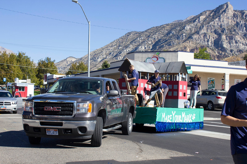 2015_10_10_Homecoming_Parade_7844.jpg