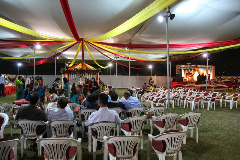 The center tent where the henna was applied, and, to the right, the stage where the evening performances was held.