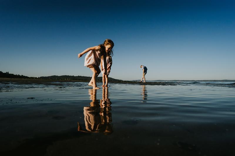 AlecMillsPhotography-SeattleFamilyPhotographer-WhitefieldFamily-27.jpg