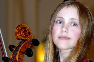 Isabelle Brown-Lyden, cellist