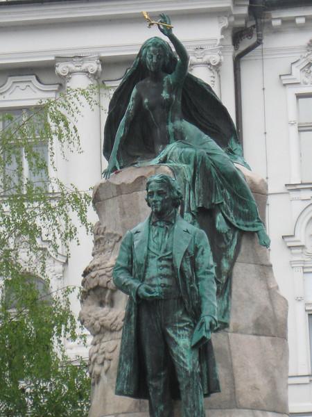 statue_5.jpg