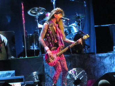 Steel Panther Centre Bell 06-10-14