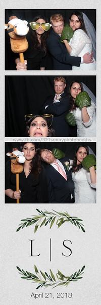 ELP0421 Lauren & Stephen wedding photobooth 50.jpg