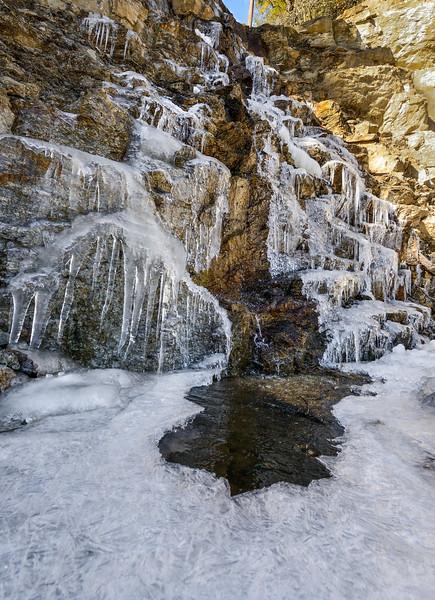 Forzen-cascade-Bhutan-Dochula-Pass.jpg