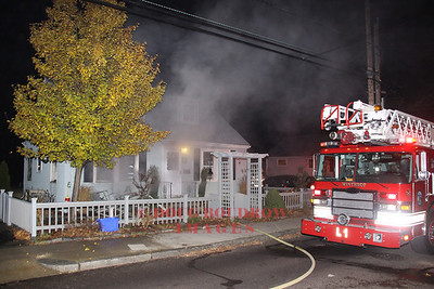 Winthrop, MA - Working Fire, 86 Bayview Ave, 11-15-10