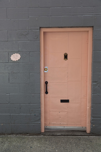 2013_05_30 Seattle Pink Door 002.jpg