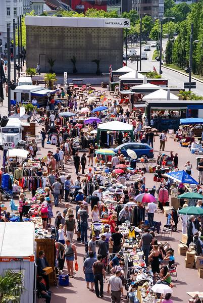 2010-06-06-Flohmarkt 26.jpg
