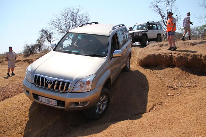 10 12 13_Moegatle SUV_2600.jpg