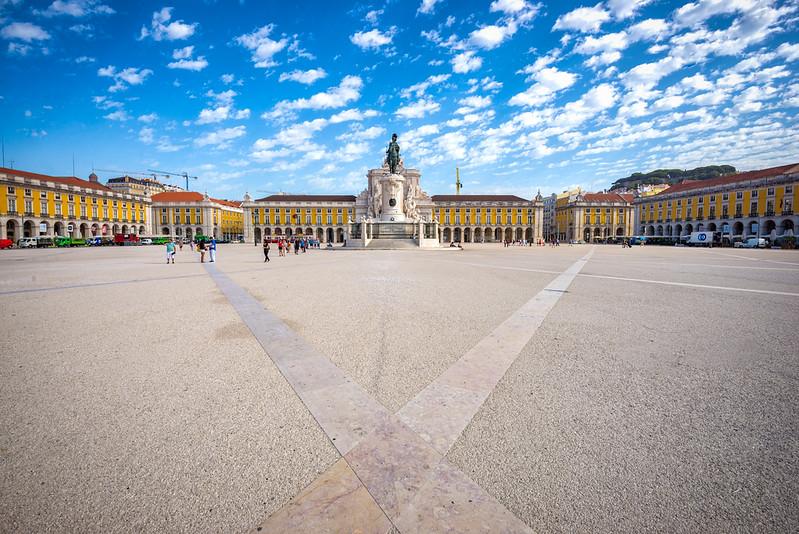 Lisbon-Comercial-Square-low-angle.jpg