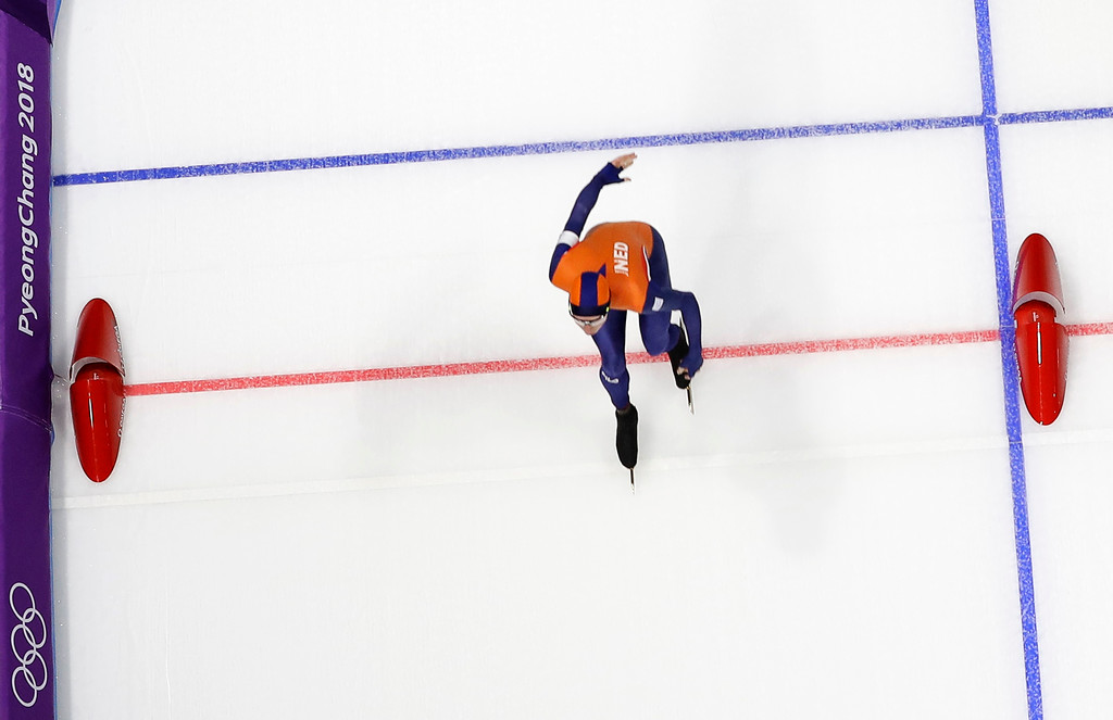 . Jorrit Bergsma of The Netherlands pushes his skate over the finish line to set a new Olympic record on the men\'s 10,000 meters speedskating race at the Gangneung Oval at the 2018 Winter Olympics in Gangneung, South Korea, Thursday, Feb. 15, 2018. (AP Photo/Eugene Hoshiko)
