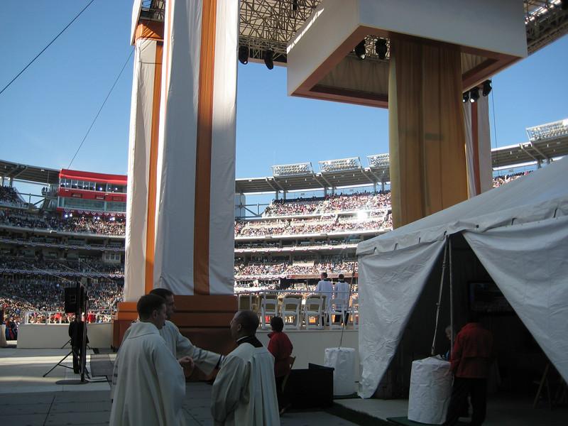 Pope Mass Nats Stadium 4-17-08 030.jpg