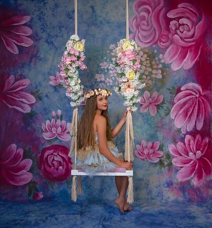 Kater Studio Floral Swing