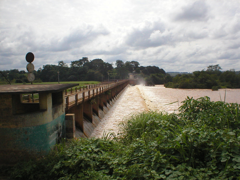Barragem sobre o Luachimo