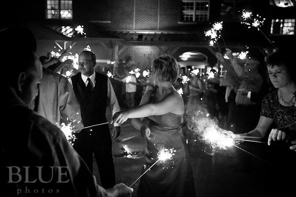 Holt-Summit-MO-Winery-Wedding-Photographer-091810-33.jpg