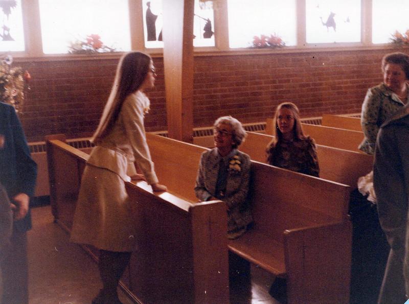 1975 Elaine and Elizabeth.jpeg