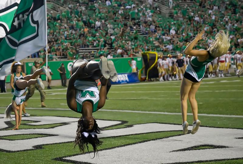 cheerleaders8786.jpg