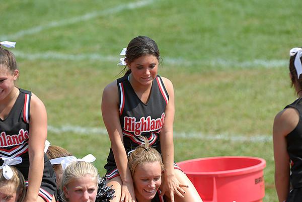 Cheerleaders and Band 2007