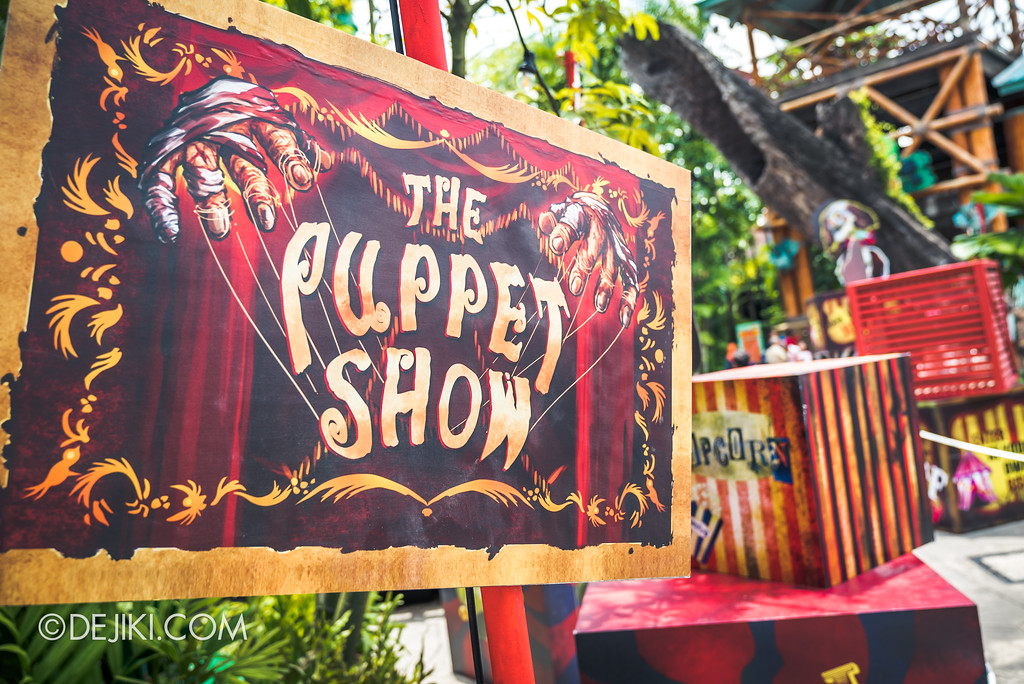 Halloween Horror Nights 7 Before Dark 1 / Happy Horror Days scare zone Circus Freakshow area Puppet show