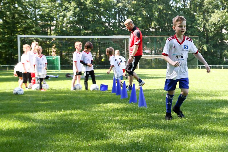 hsv_fussballschule-137_48047991023_o.jpg