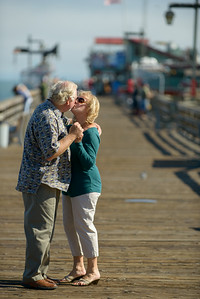 6500_d800b_Michael_and_Rebecca_Capitola_Wharf_Couples_Photography