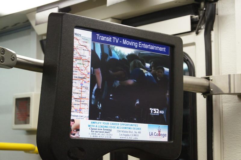 2011-02-24 _OTW_TransitTV-Screens03.JPG