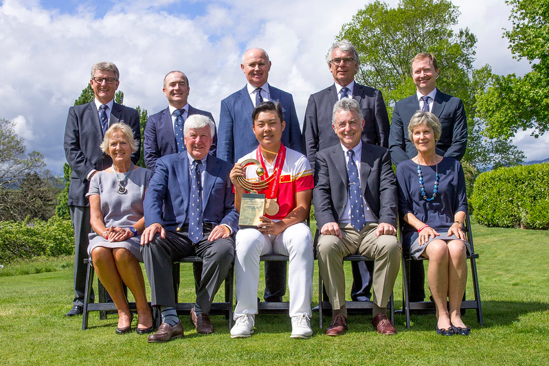 Yuxin Lim from China with the Committee of the Royal Wellington Golf Club after winning the Asia-Pacific Amateur Championship tournament 2017 held at Royal Wellington Golf Club, in Heretaunga, Upper Hutt, New Zealand from 26 - 29 October 2017. Copyright John Mathews 2017.   www.megasportmedia.co.nz