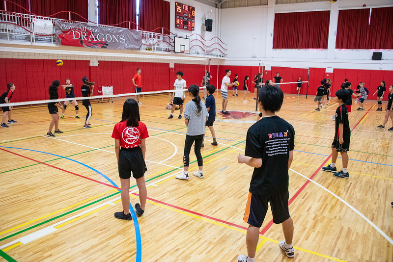 PE Leadership-Gr12 and Gr6 Volleyball Workshops-YIS_2625-2018-19.jpg