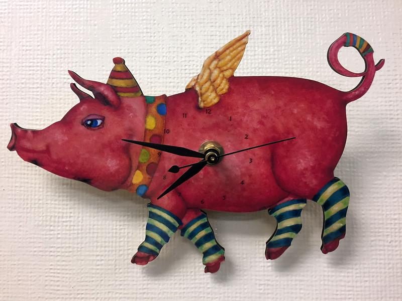 pig clock.jpg