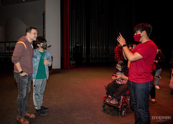 Netflix Selena series actor, Ricardo Chavira, Visits Fine Arts Academy